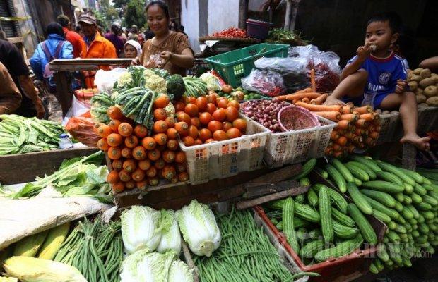 20130908_pedagang-sayuran-di-pasar-teluk-gong_6214